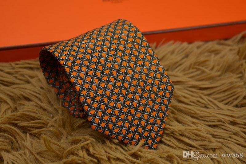 Yeni Stiller Moda Erkekler Kravatlar İpek Kravat Erkek Boyun Kravatlar El yapımı Düğün mektup Kravat İtalya 7 Stil İş Kravatlar Çizgili H99861