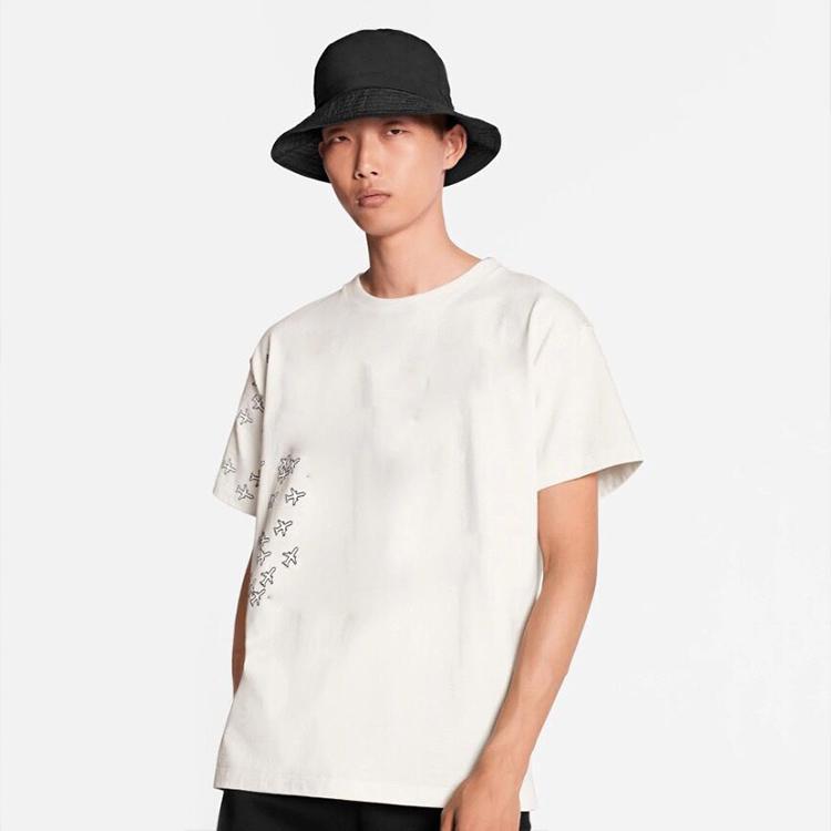 Tasarımcı tişört erkekler Siyah beyaz lüks giyim kısa kollu kadın Punk hip hop tişört baskı mektubu Yaz Kaykay Casual Tees S-3XL başında