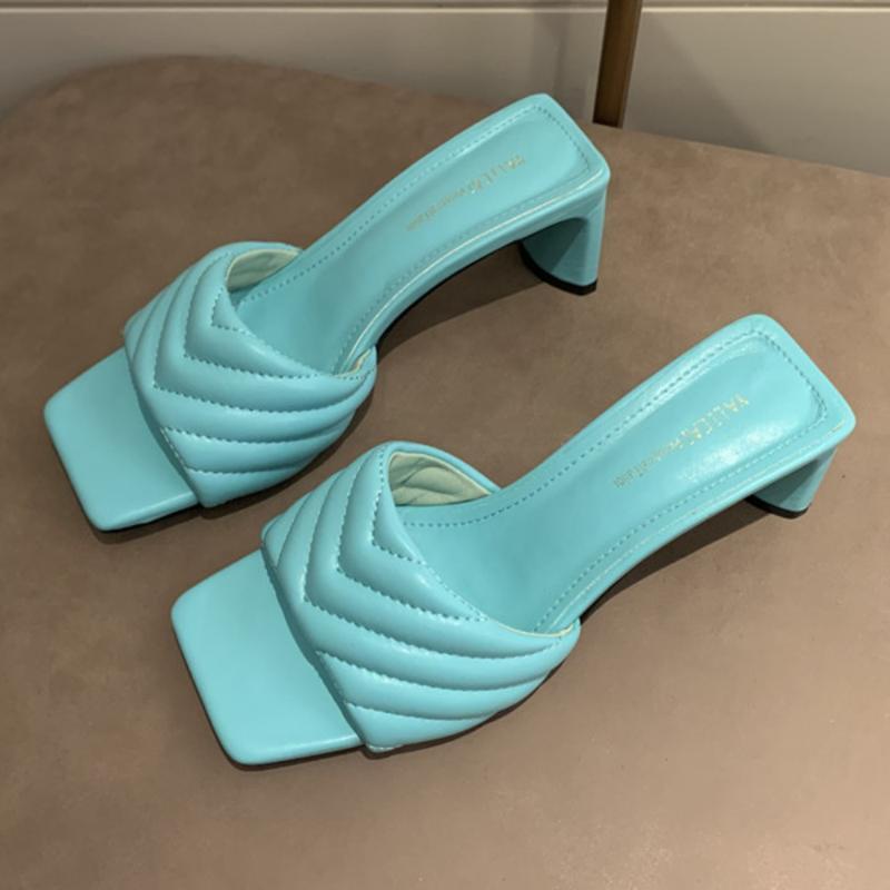 Mode der eleganten Frauen Hausschuhe Hochwertige solide Cozy PU-Leder-quadratische Zehe Sandalen Femme niedrige Ferse-Partei-Kleid-Schuhe