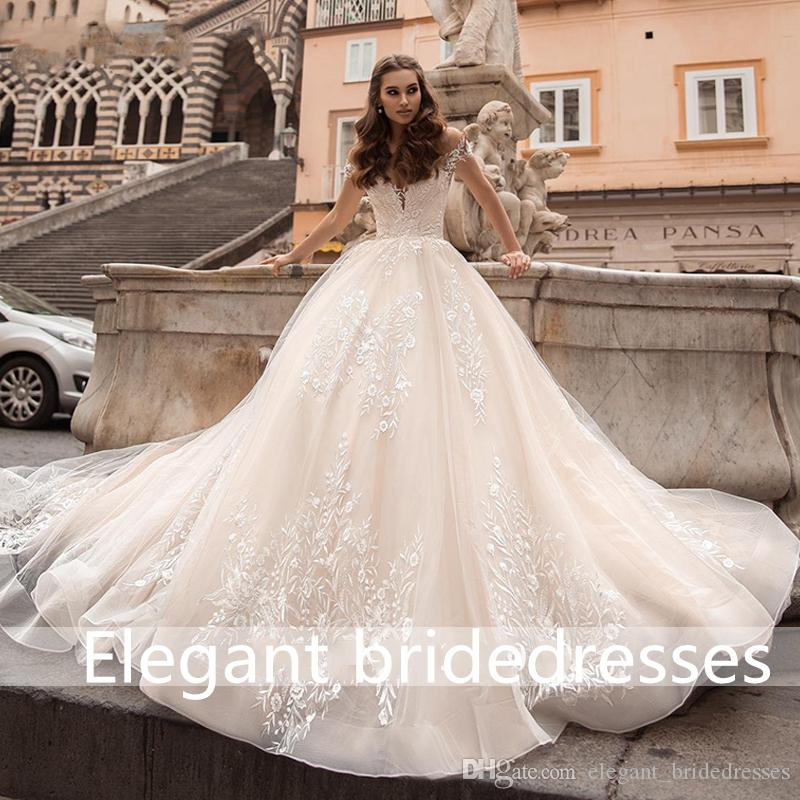 2019 Exquisite Vintage Ball Gown Wedding Dress Sweetheart Cap Sleeve Chapel Train Princess Bride Gown Wedding Veil Customized