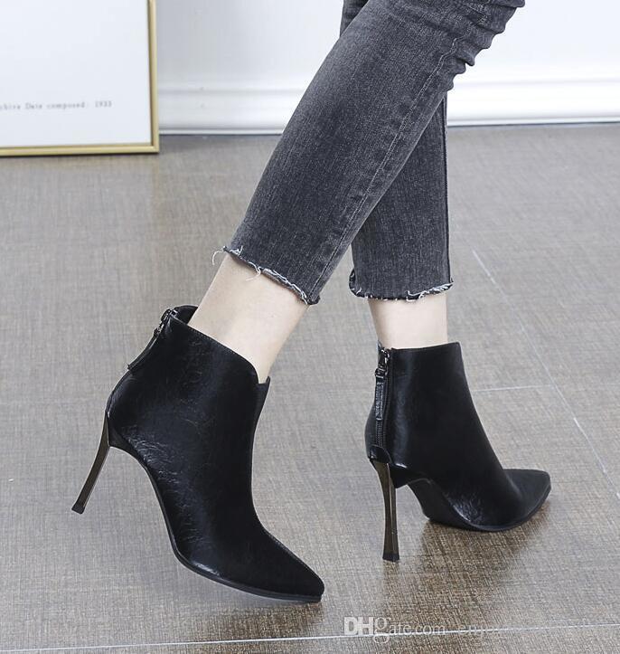Урожай Fall черный красный кожаный с шипами носками Женщины Ботильоны Модельер Sexy Ladies Red Bottom Высокие каблуки обувь Насосы