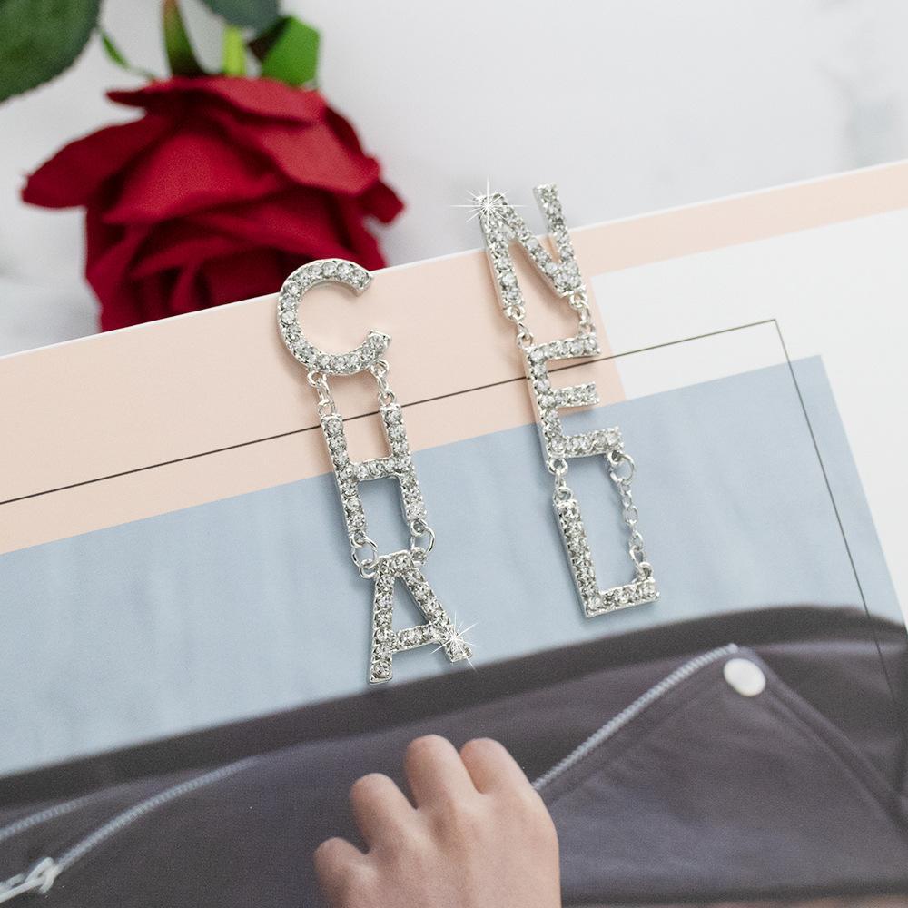 DHL Women Letter Tassel Earrings Exquisite Designer Earrings Shining Rhinestone Luxury Earrings Fashion Personality Jewelry
