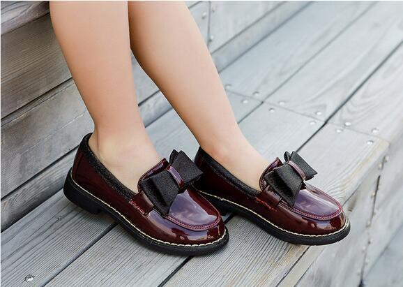 Девушки мягкой нижней принцессы кожаные туфли 2020 весной новые британские дети стиль одиночные ботинки большие дети черные туфли
