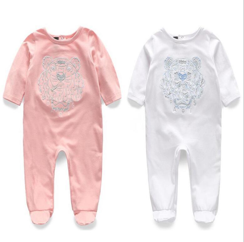Nuovo stile girocollo girocollo vestiti per bambini a manica lunga a manica lunga in puro primavera in cotone e autunno natiche ricamate per bambini