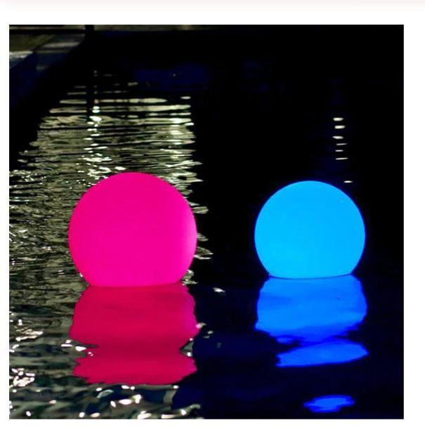 LED im Freien Garten-Landschaftslicht Wiederaufladbare Fernbedienung RGB bunten wasserdichten LED-Pool schwimmende Kugel Lampe