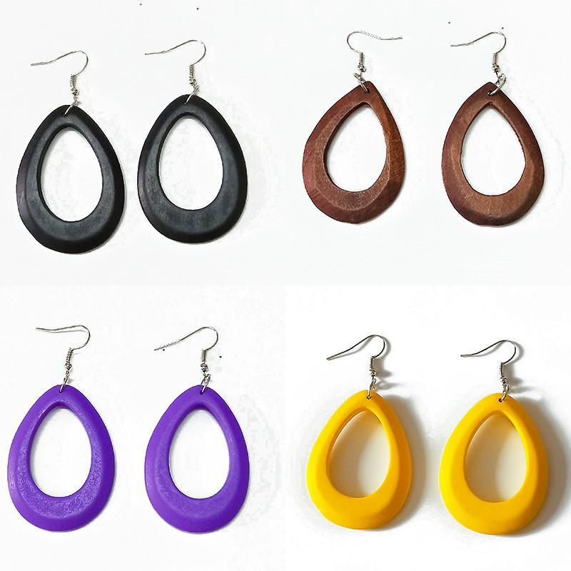 여성 중공 간단한 스타일 멀티 색상 귀여운 드롭 귀걸이 여성 보석 보헤미아의 간단한 액세서리 드롭 배송을위한 목재 후프 귀걸이