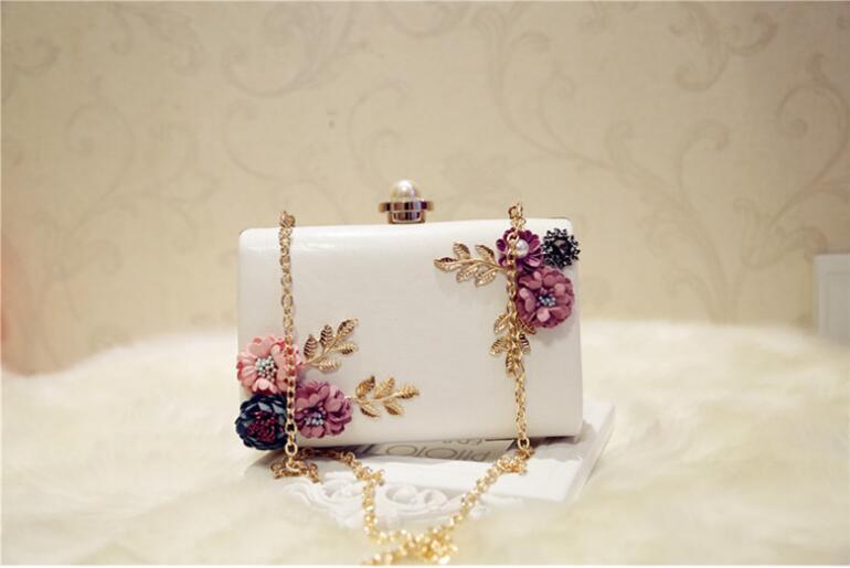Designer-Dentelle Fleurs femmes sac sac à main de haute qualité PU Cuir de vachette fille douce sac fleur perle chaîne sac à bandoulière