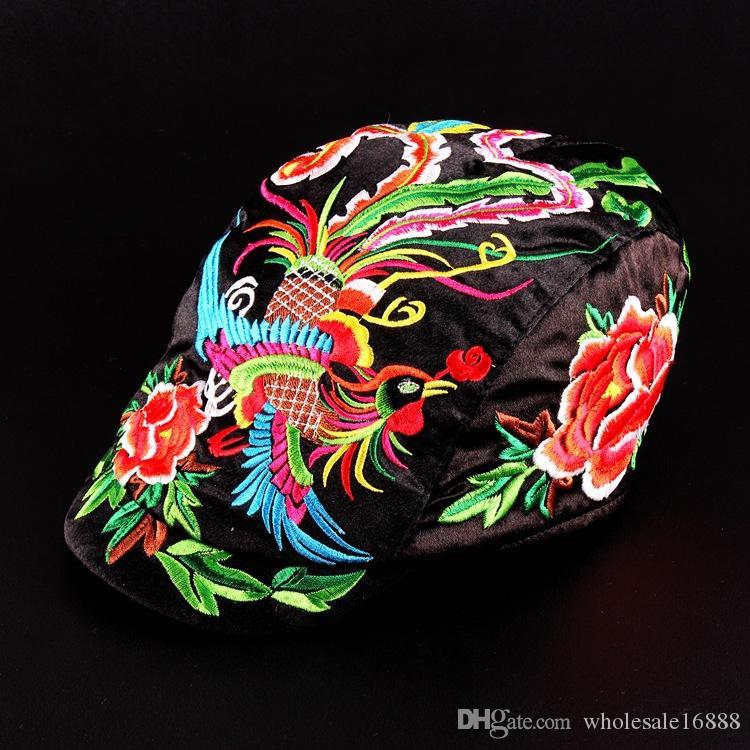 Großhandel Charakteristika Volksbräuche gestickter Vogel-Hut Retro-Stil Mode Berets gestickt für Frauen 6 Farben