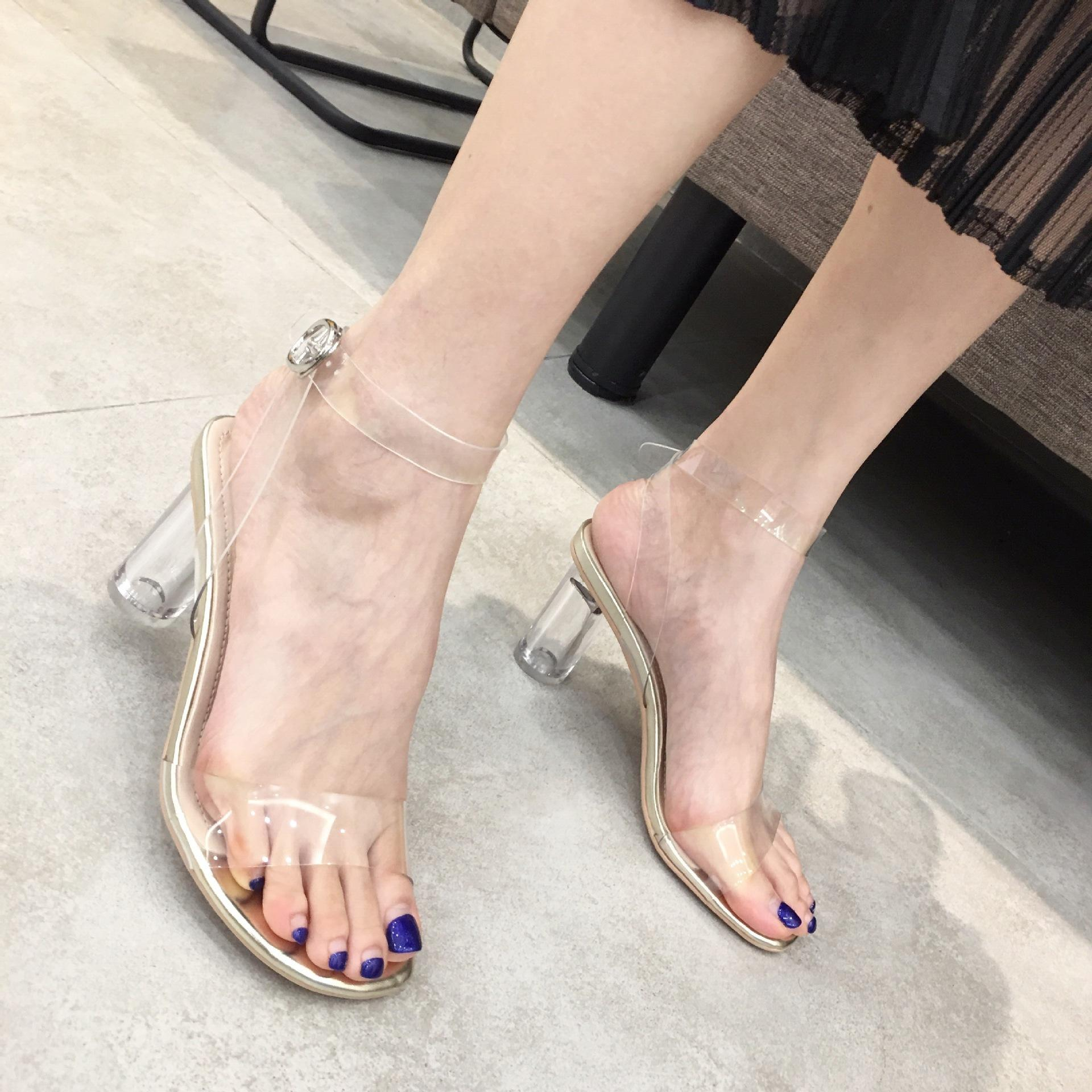 Sexy2019 Hongsheng Wang Tavsiye Şeffaf Bir Kelime Kadın Sandalet Ile Kristal Yüksek Getirmek