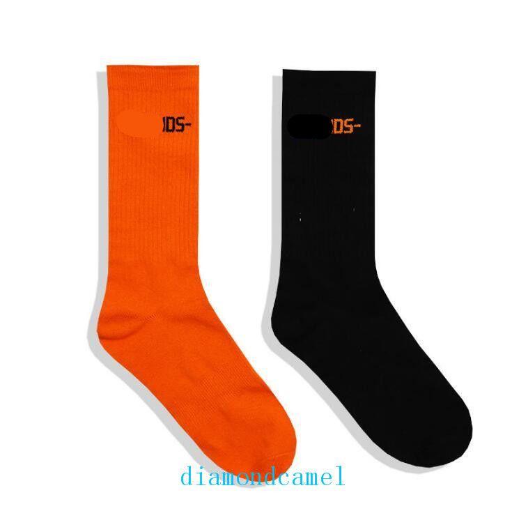 High Quality High Stree Stockings Men Women Socks Fashion Underwear Black OrangeV Letter Print Casual Cotton Socks Free Shipping