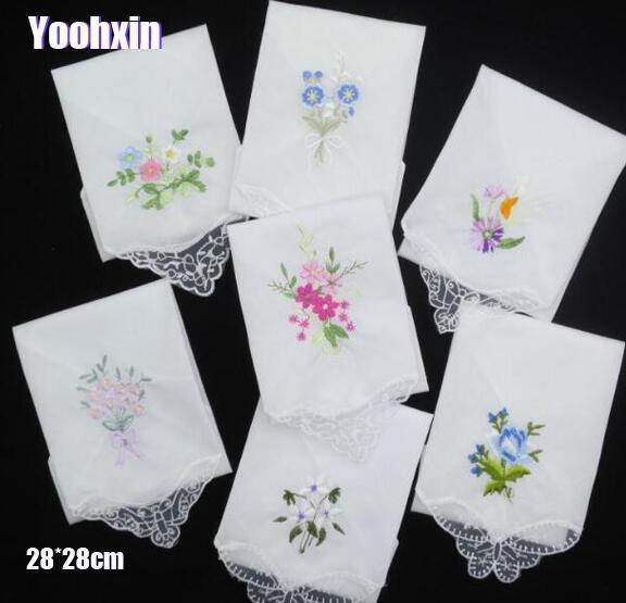 3PCS Luxury Cotton Frauen Hankies gestickte Spitze Blumen Hanky Blumen zufällige Farbe Tuch Damen Handkerchief Fabrics T200618