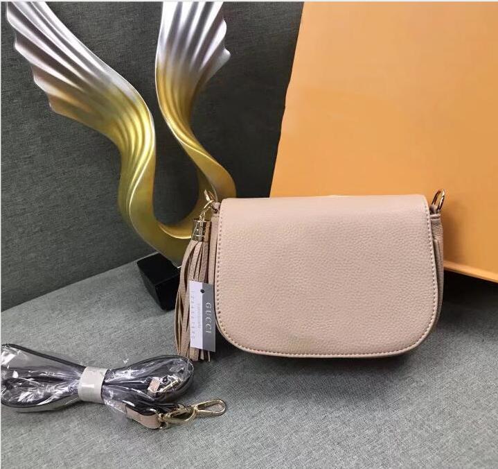 Designer Femmes Crossbody luxe Lady Tassel Sac à bandoulière Mode Femmes Casual Sacs à main de petits cadeaux Hangbags 2