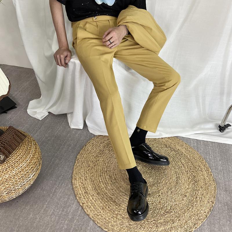 Compre Inglaterra Estilo Del Juego De Pantalones De Los Pantalones Del Verano Del Mens Casual Amarillo Caballero Elegante Hombre Vestido Beige Pantalones De La Manera Hombre De La Moda A 31 39