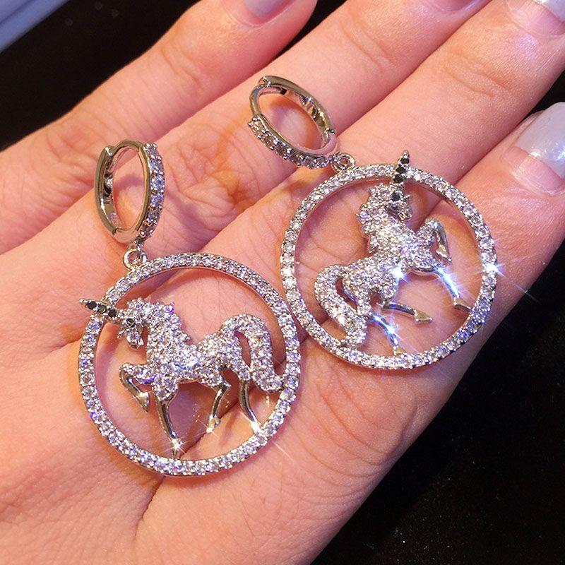 Frau Ohrringe Luxus-Schmuck 2020 neue koreanische einfache Persönlichkeit Ohrringe Zirkon Temperament Einhorn Pferd Tier Edelstahl-Art