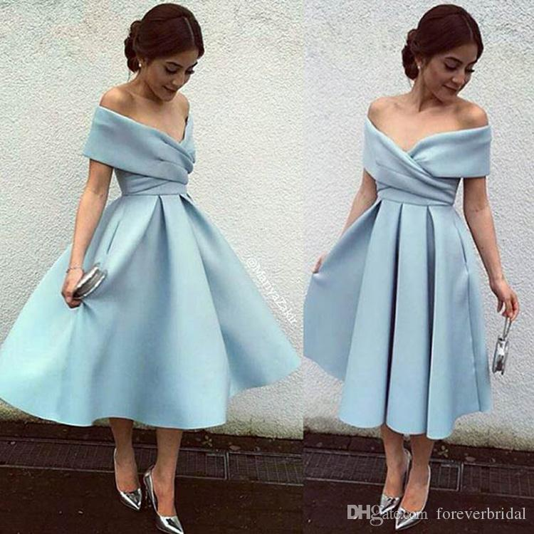 Luz Céu Azul Vestidos de Noite Fora Do Ombro De Cetim A Linha Curto Vestidos de Baile Chá Comprimento Mãe Formal de Vestidos de Noiva