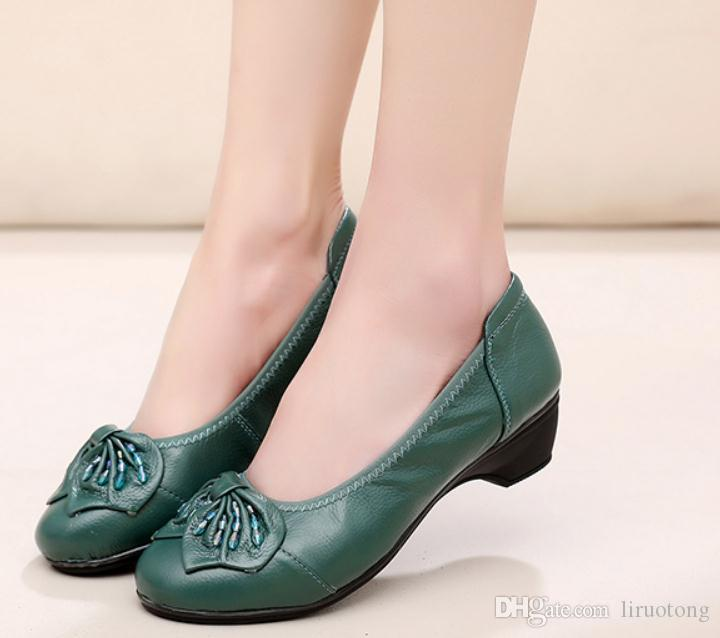 Free send 2018 spring and autumn new style Mother's Middle heelSlope heel Middle age and old age women shoes
