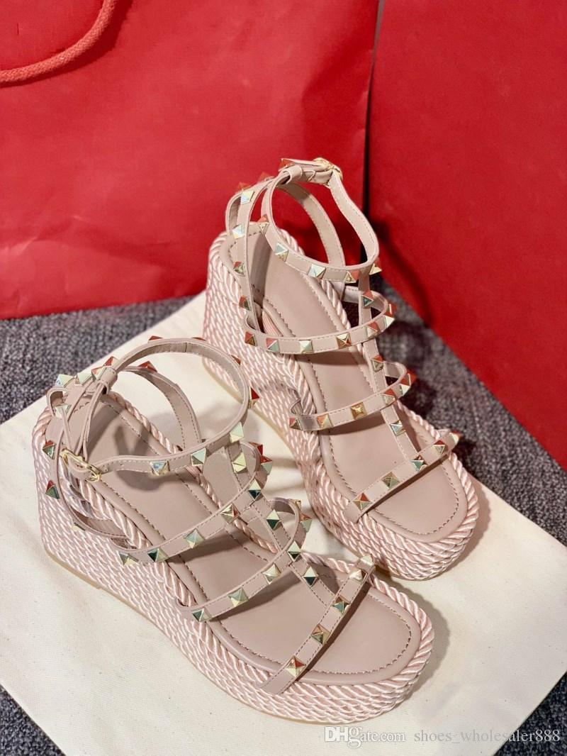 Nouveau style sur le marché, les femmes chaussures de mode, sandales rivets bracelet en cuir véritable, Journalier confortable, taille 35-39