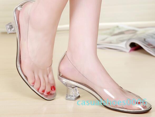 ¡CALIENTE! La alta calidad de todas las sandalias de los zapatos de las mujeres transparentes de tacón alto 2019 New-suave y cómodo de señora cristalino Tamaño de los zapatos 34-40 C06