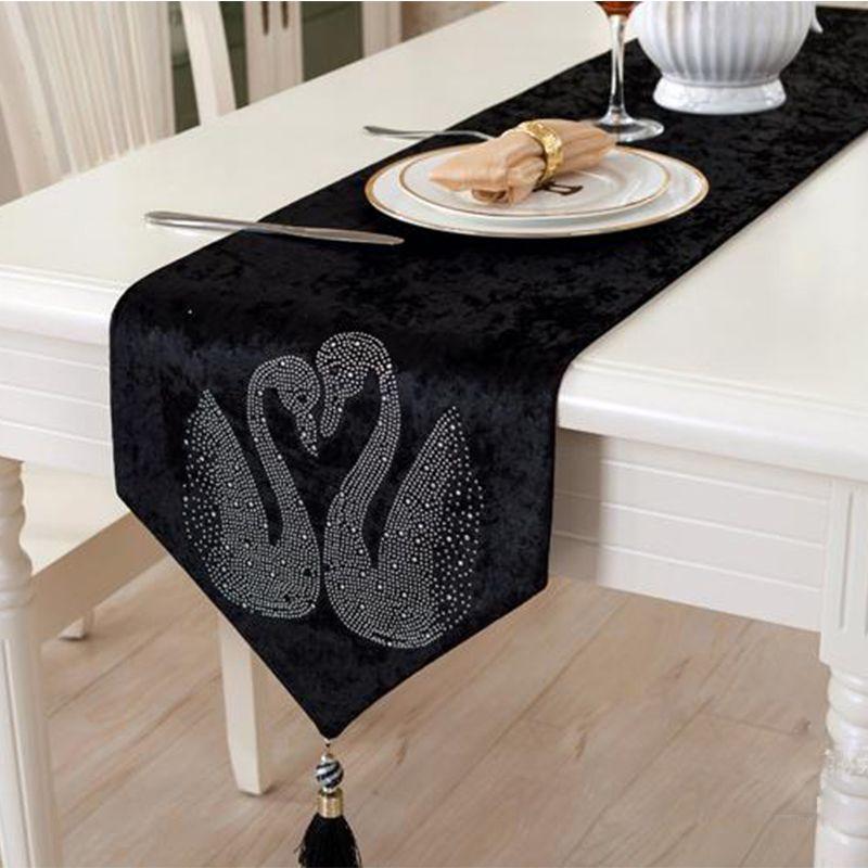 Европейский черный бегун стол роскошный бархат горный хрусталь лебедь украшения скатерти для дома свадебный чай украшения стола 32 см * 200 см