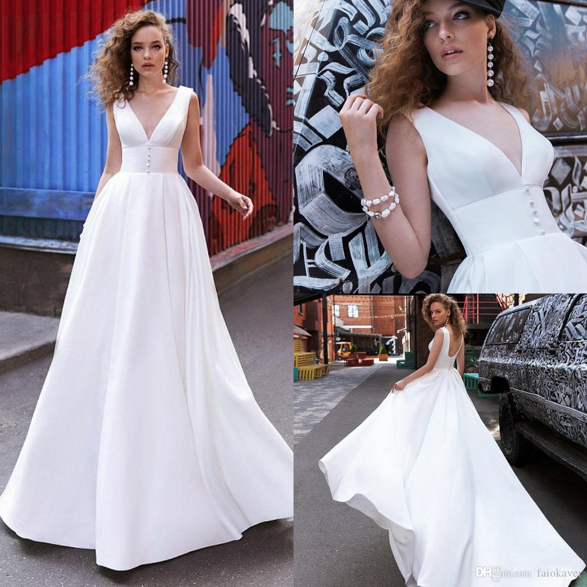 Simples Boho Vestido de Noiva A Linha de Trem da varredura profunda V Neck Satin Botão praia vestidos de casamento Custom Made Garden baratos vestidos de noiva