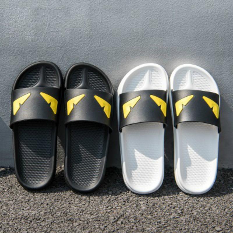 Chinelos desenhadores de homens Chinelos de olhos do diabo perseguem Sandálias De Cetim Mulheres Homens brandem Sapatos De Luxo Chinelos de Moda Casual Chinelos de Moda