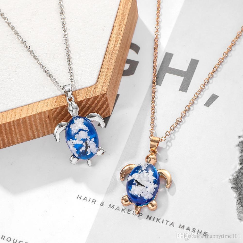 Monili della collana di resina trasparente Donna Uomo Moda Boemia Blue Sky nuvole bianche Aquila modello della collana del pendente di figura sveglia della tartaruga