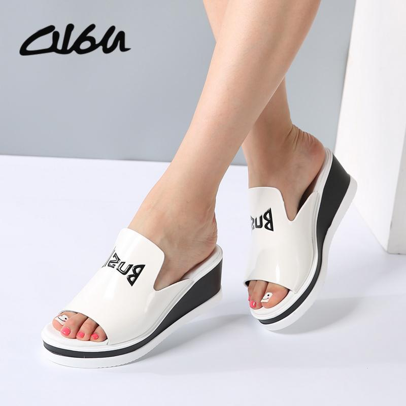 O16u Women Mules Sandals Wedge Platform Patent Leather Slip On High Heels Ladies Graffiti Sandals Fashion Summer Shoes Female Y19070403