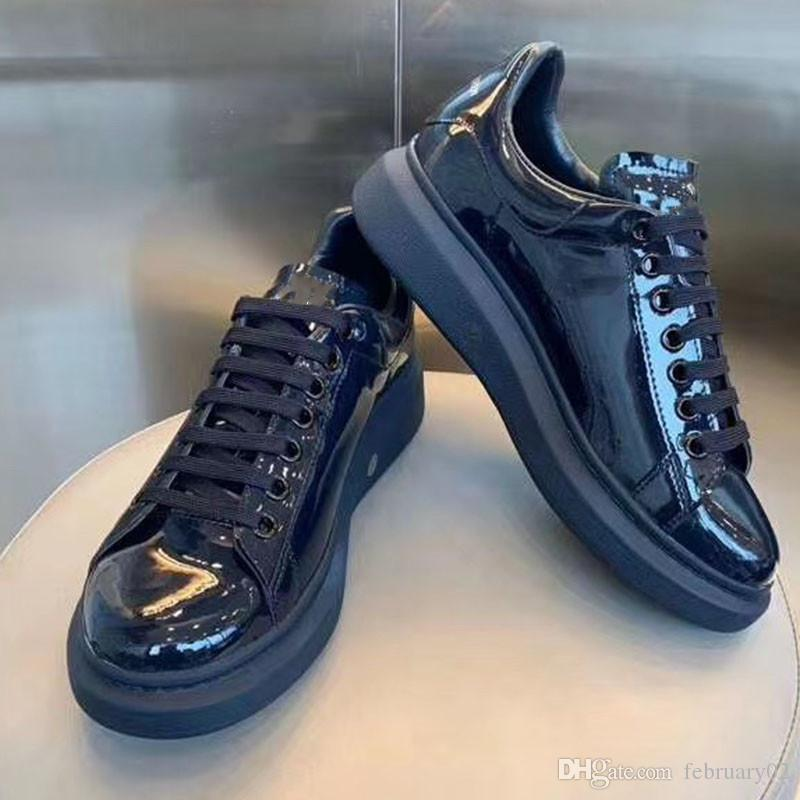 2020 Hombres Mujeres Zapatos ocasionales de la plataforma zapatos de moda zapatillas de deporte con cordones de la Ejecución de abeja de cuero verde rojo raya blanca Negro bordado C59