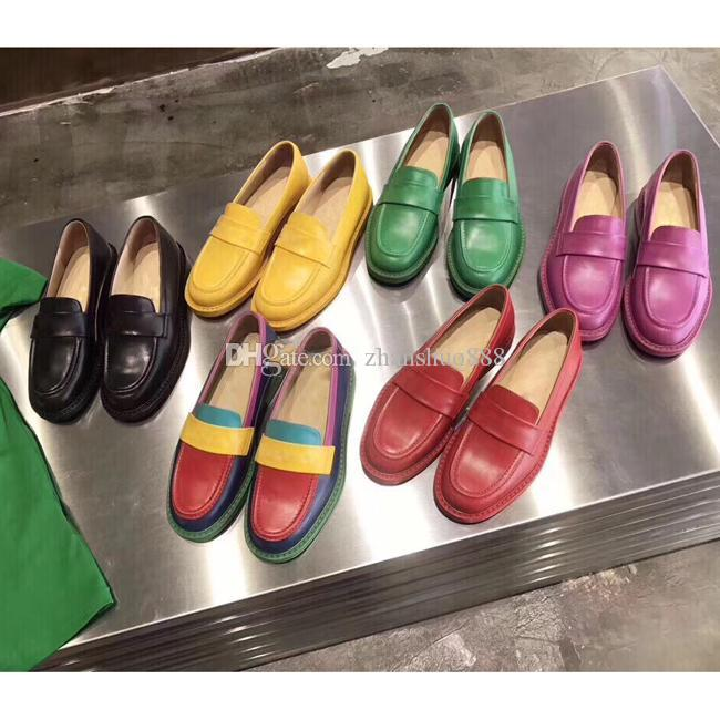 2019 Mektupları Mix Renk Gerçek Deri Bayanlar düz dipli ayakkabı jöle Renk Mules Loafer Ayakkabı Kadın Baskı Deri Terlik Sandalet 35-40