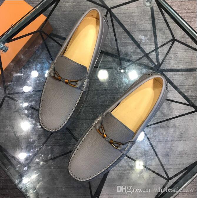 The hot Fashion Driving Shoes Mocasines Zapatos para hombres Nuevos hombres Mocasines Zapatos planos de lujo de alta calidad para zapatos casuales para hombres envío gratis L1