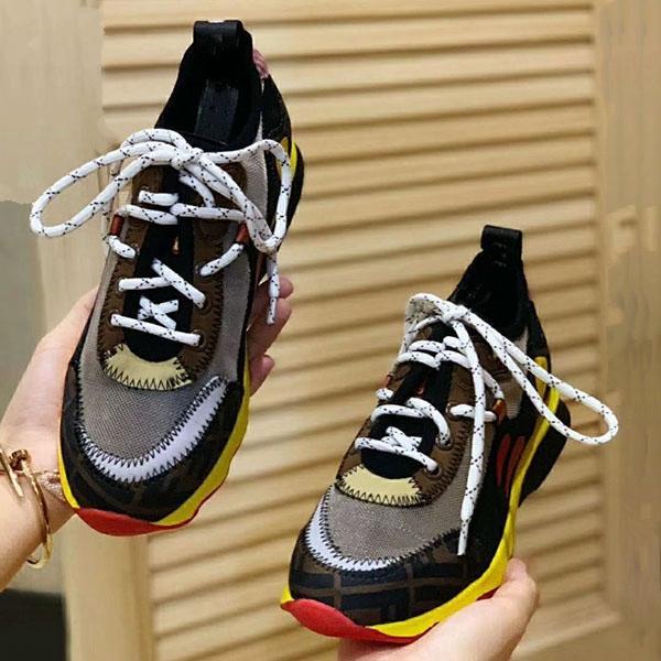 2020 nouveaux hommes couple en cuir et les femmes respirant maille chaussures mode casual antidérapante chaussures de sport de ceinture de tendance de correspondance des couleurs qz13