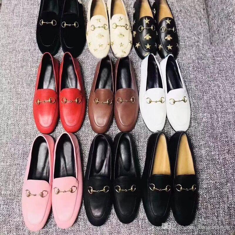 Diseñador Mules Princetown Zapatos ocasionales de suela plana Cuero de vaca auténtica Hebilla de metal Zapatos de mujer de cuero Hombres pisotear Zapatos perezosos de lujo 46