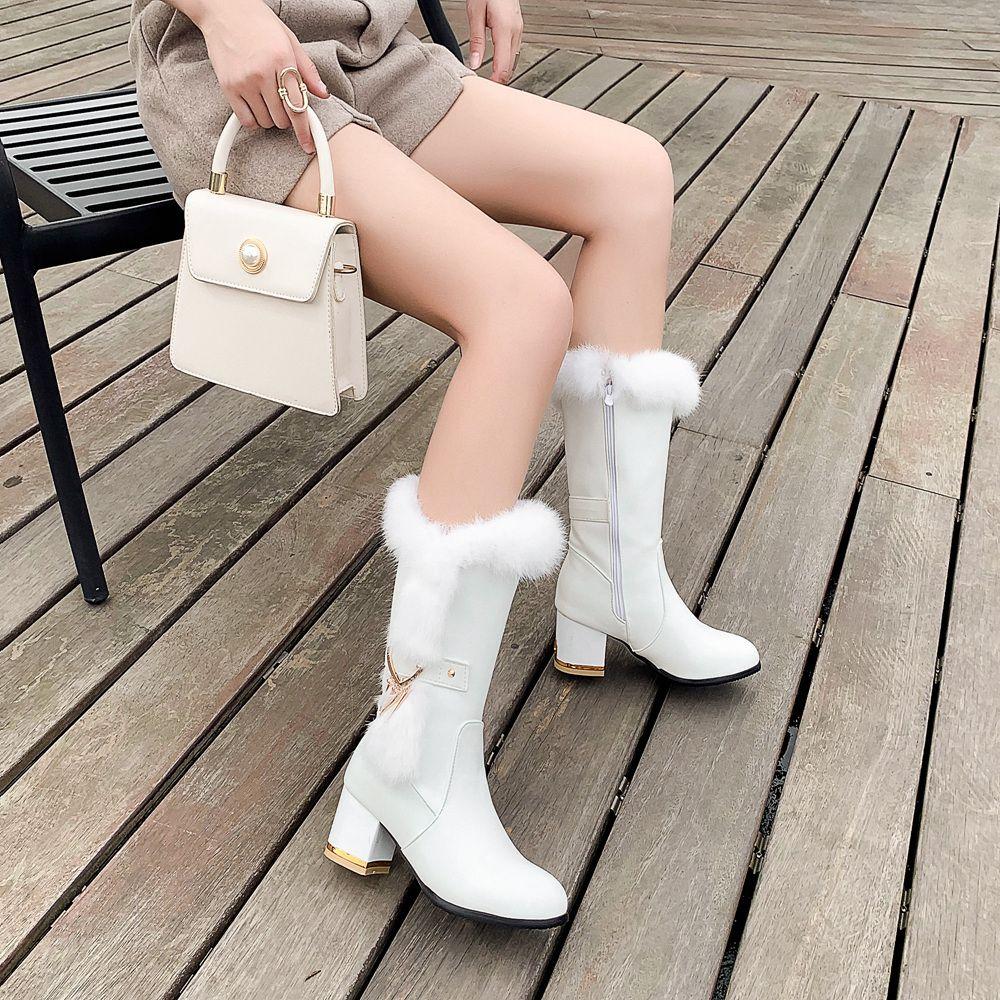 2020 новые зимние длинные женские непромокаемые кожаные сапоги Металлические украшения круглый Toe мех на высоких каблуках размер 34-43 k663 Y200115