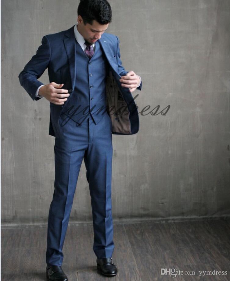 أزرار جديدة اثنين من أزرار Royal Blue Groom Tuxedos Peak Lapel Groomsmen Best Man Suits Men Wedding Suits (Jacket+Pants+Vest)