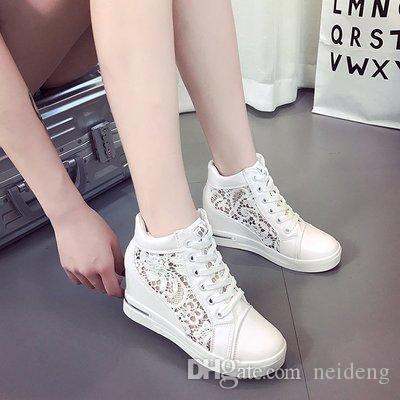 Venda Mulheres-Hot Platform Wedge Sapatos de bico fino Aumentar Creepers Rubber Brogue de couro ata acima sapatos de salto alto