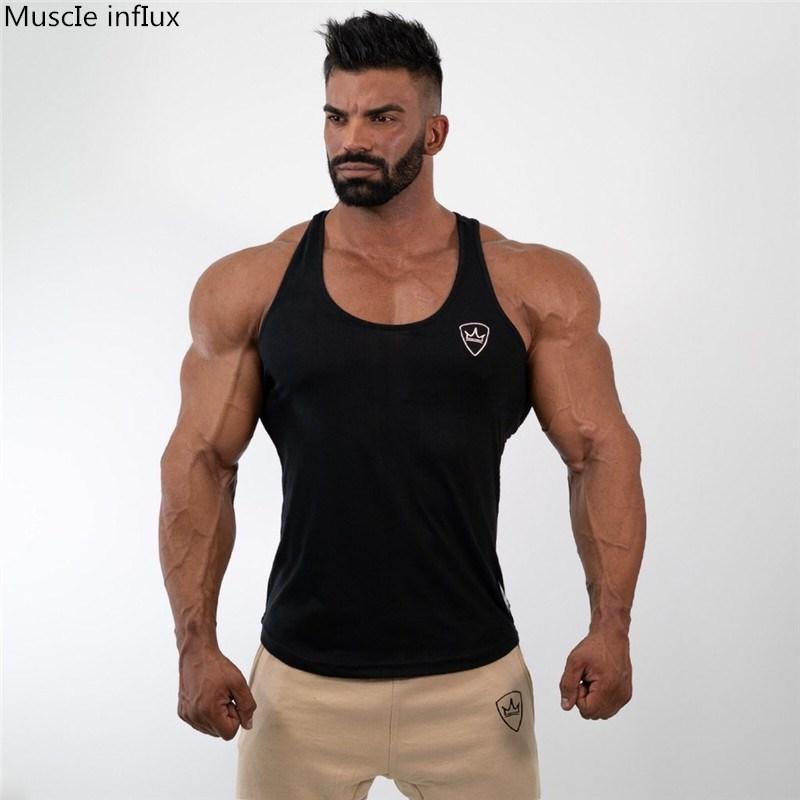 2019 Regatas mangas Vest TOP Undershirt de fitness Casual Mens casuais Musculação impressão Vermelho preto cinzento