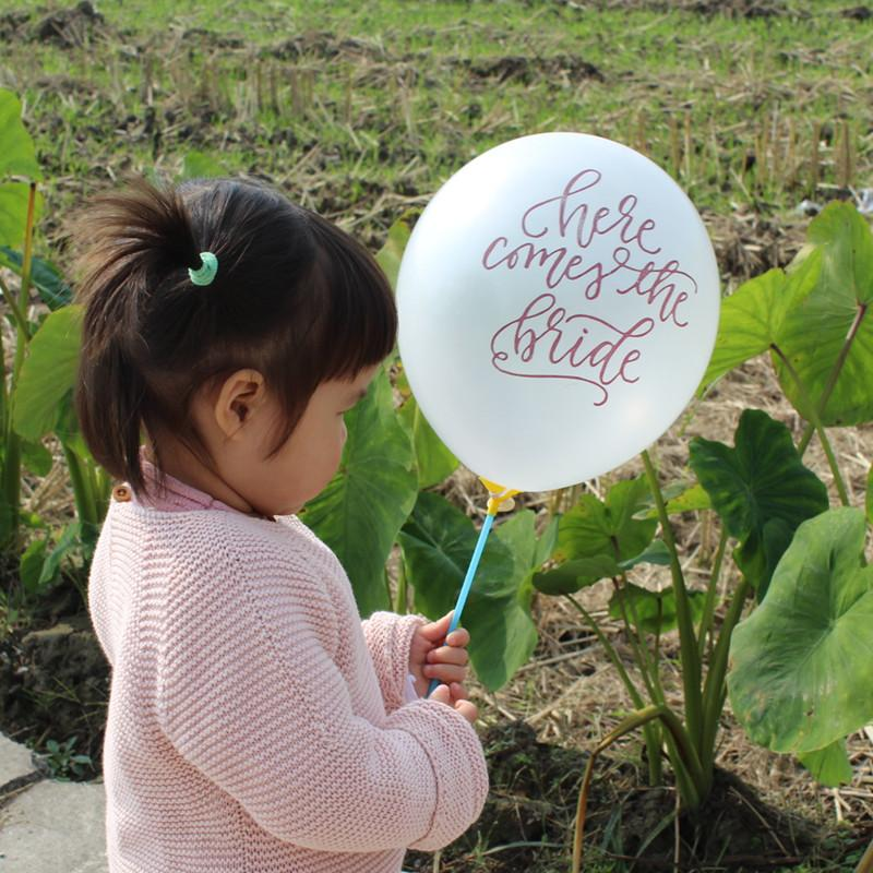 2020 Here Comes The Bride Balloon Banner Vintage Wedding Sign Ceremony Backdrop Balloons Marriage Bunting Decoration From Sakuna 28 98 Dhgate Com