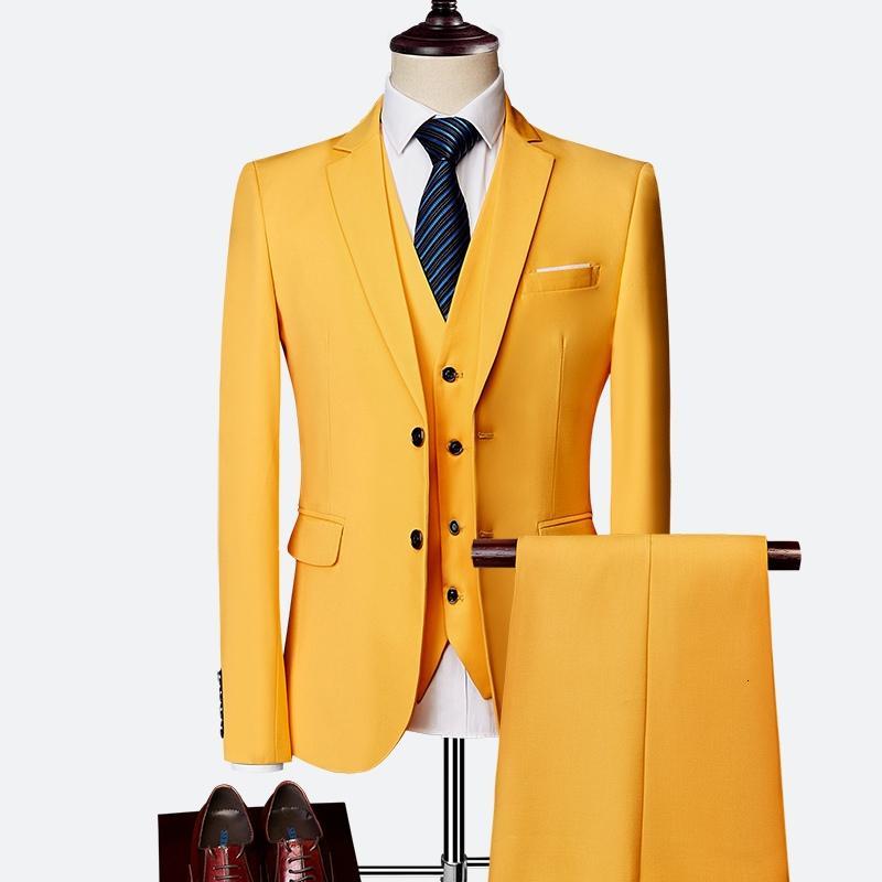 Abiti da uomo giallo per smoking dello sposo intaglio risvolto Slim Fit Blazer Tre piece rivestimento Pants Vest Man Tailor Made Abbigliamento