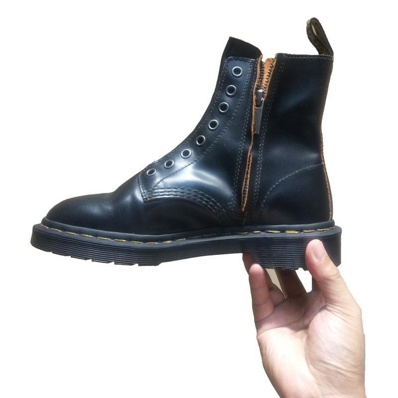 8 구멍 사이드 지퍼 잘 생긴 마틴 부츠 여성 2020 가을과 겨울 뉴 잉글랜드 레트로 부츠 나이트 부츠 오토바이 신발