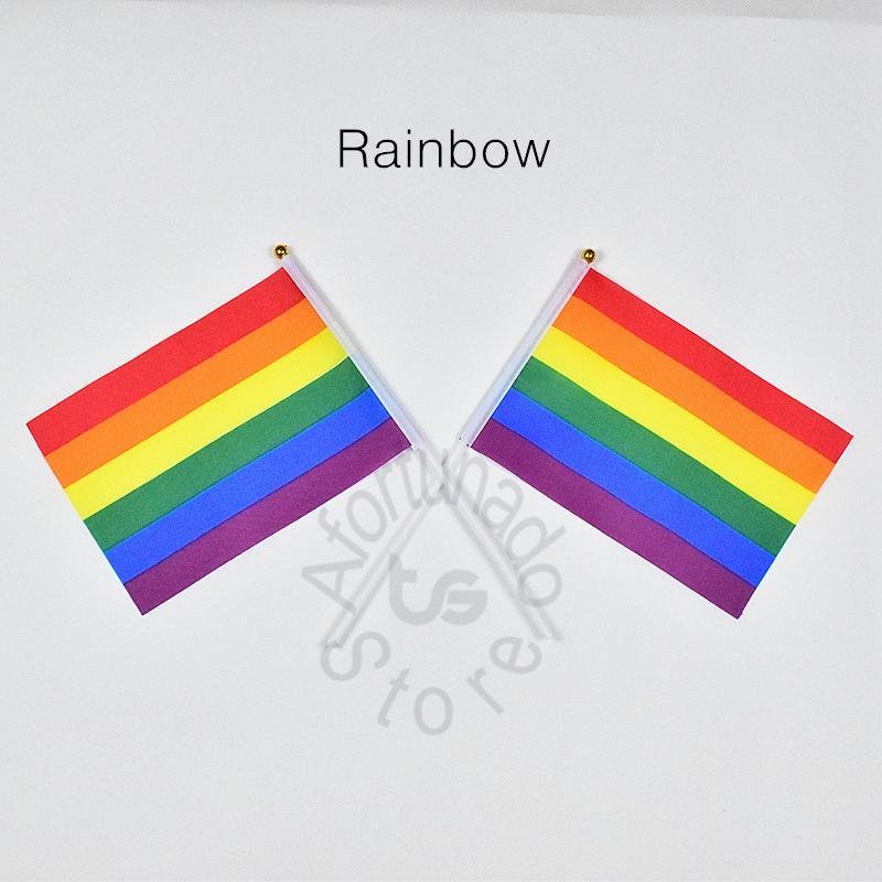bandiera arcobaleno Banner 10 pezzi / lottp 14x21 cm bandiera 100% bandiere in poliestere con pennoni in plastica per la celebrazione Decorazione arcobaleno