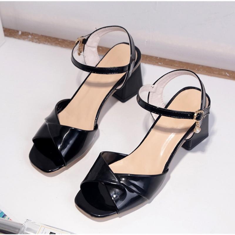 Ho Kabarma Yaz Comforty Med Topuk Roma Moda Katı Toka Sandalet Sadelik Sigara slip Casual Kadın Ayakkabı Y200323