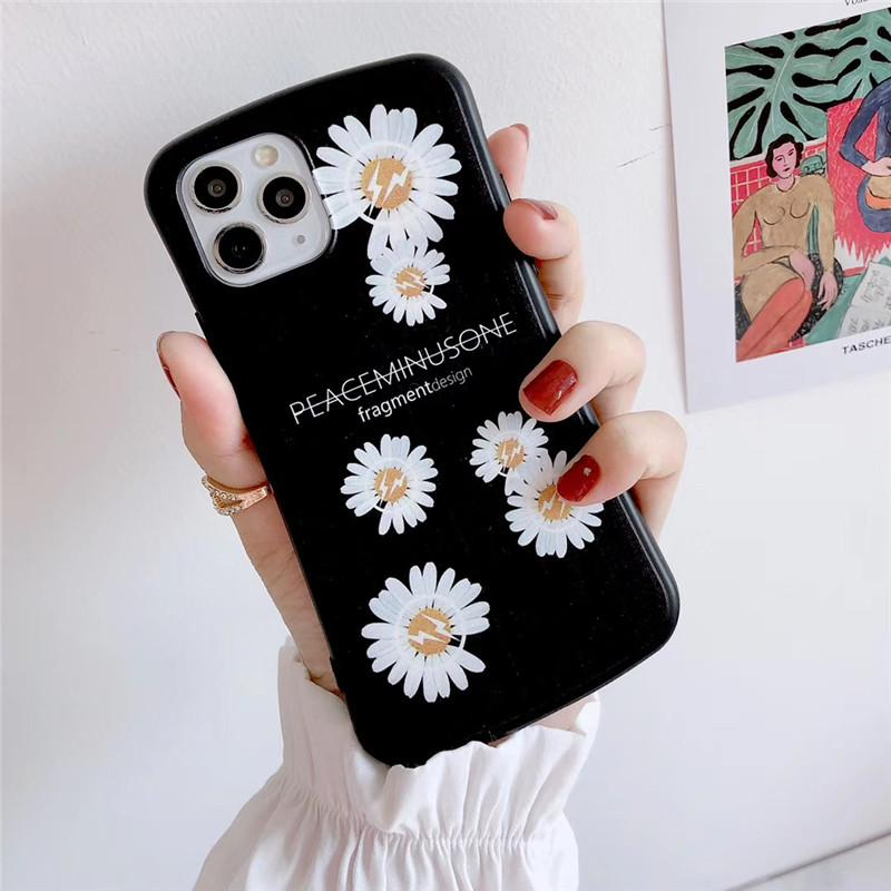 One Piece Luxury smooth phone case For iPhone 7 8P XR 11PROMAX fashion flower small pretty waist Designer phone case back cover