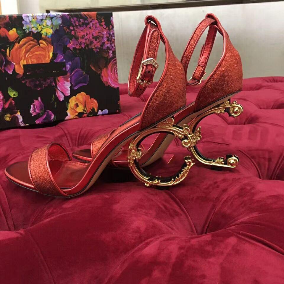 Diseñador alfabética Carta de piel talón clásico de lujo de estilo europeo de las mujeres sandalias zapatillas sandalia atractiva del estilo de hebillas de cinturón lll