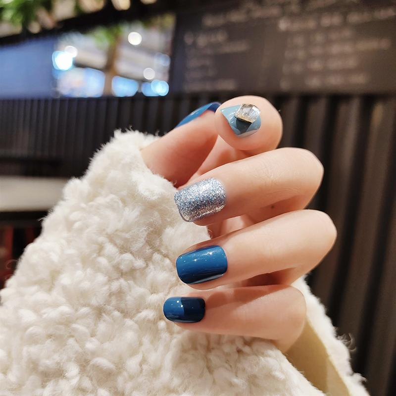 24Pcs/boxed Haze Blue Color Short Round fake press on nails girls Wearable Disassembly Full Cover artificial nails with glue