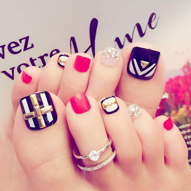 Unghie false 24pcs Design Senior Sposa Sposa Matrimonio Toe Nail Crystal Diamond Black Bianco Rosso J41