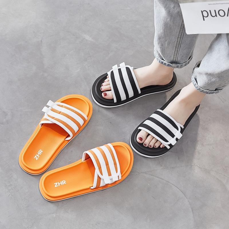 Pantoufles ZHR 2021 Beach Chaussures Femme Summer Pour Femme Mode Flat Slipper Slipper Boucle Hoop Diapositives