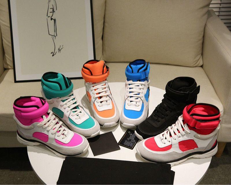El hombre nuevo de la llegada de las mujeres forman los zapatos ocasionales de los colores mezclados de malla de encaje Cómodo masculino entrenador Caminar pares de la manera Tamaño de los zapatos 35-46