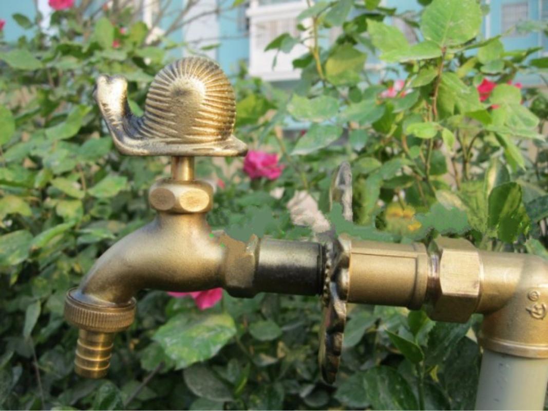 Décoratif jardin forme animal rural robinet extérieur Bibcock avec bronze antique escargot robinet pour machine à laver