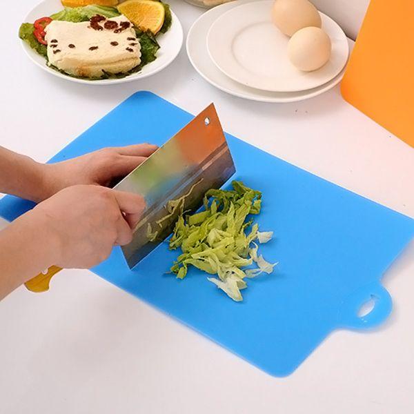 Nueva 21,5 * 32,5 cm Tabla de cortar de cocina utensilios de cocina flexible de plástico PP antideslizante agujero de la caída de Alimentos rebanada cortada bloque que taja de OCT998