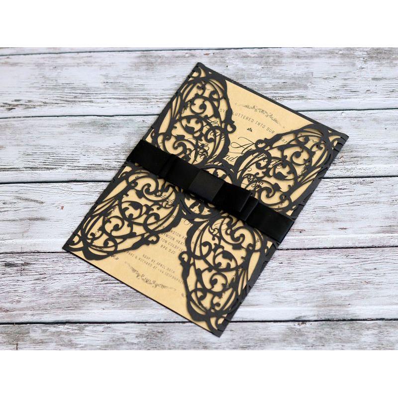 10Pcs / 1Lot Einladungs-Karte Wedding Laser-Schnitt-Spitze Perforierte Einladungs-Karten weiße elegante Muster-Feiertags-Party-Dekorationen